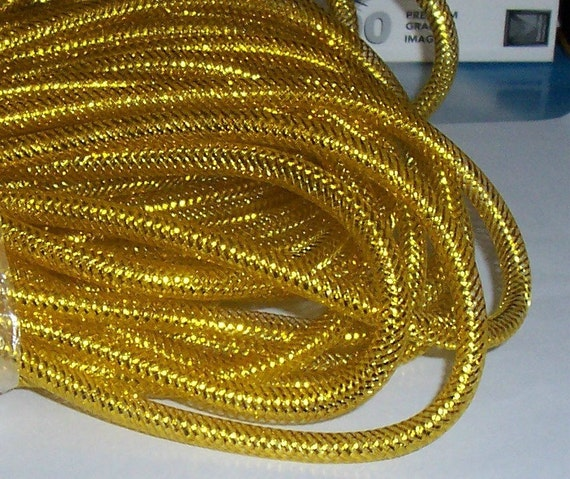 Gold Nylon Mesh Tubing 9-10mm, 3ft