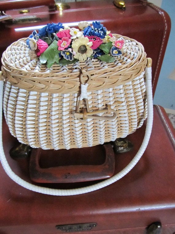 1950's Fisher-mans Basket Summer Purse with Millinery Flowers