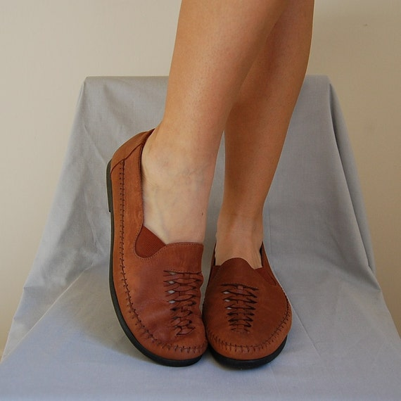 90s BASS chestnut supple cut out leather flats10