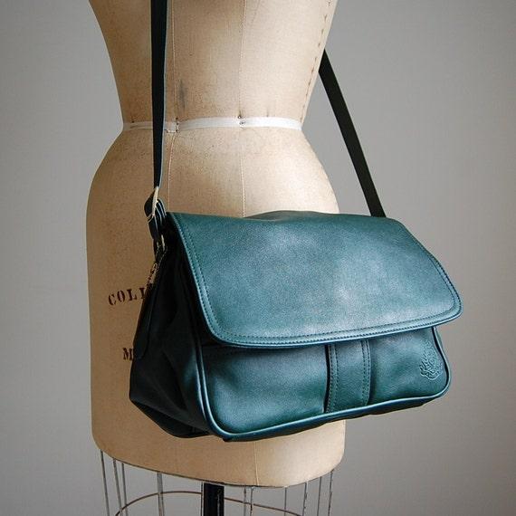 1980s PINE green large cross body purse