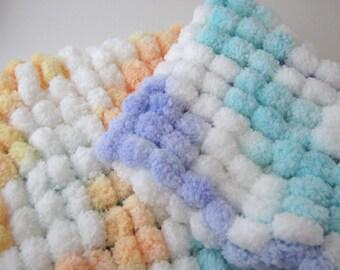 Pom Pom Blanket - Bucket Basket Liner - Newborn Photo Prop