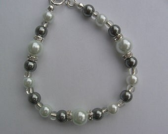 White and Silver Pearl Bracelet with Rhinestones