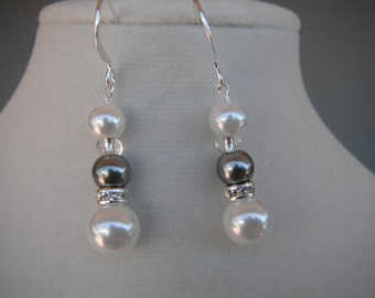 White and Pewter Pearl Earring