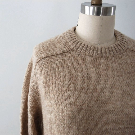 Vintage 1970s Sweater / Women's Crew Neck Pullover / Woolen Oatmeal Heather