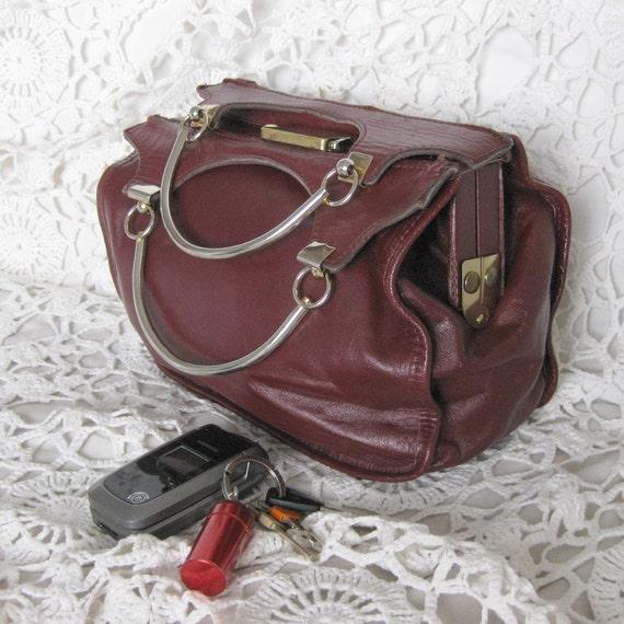 13. BAG 70's vintage burgundy red leather handbag