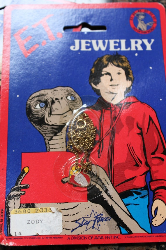 VINTAGE E.T. Drew Barrymore necklace