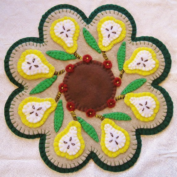 What A Pear, Candle Mat Penny Rug With Flowers PATTERN