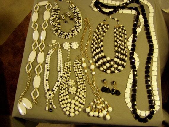 Vintage Lot 1960s Black White Plastic Bead Ladies Belt 6 Necklaces 4 Prs Clip Earrings 2876