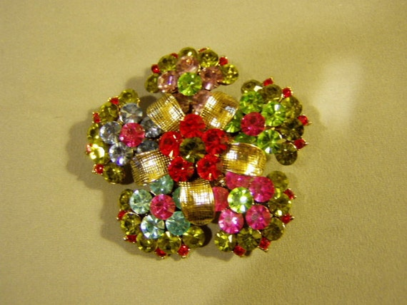 Vintage 1980s Bright Colored Rhinestone Flower Daisy Pin Brooch 3103
