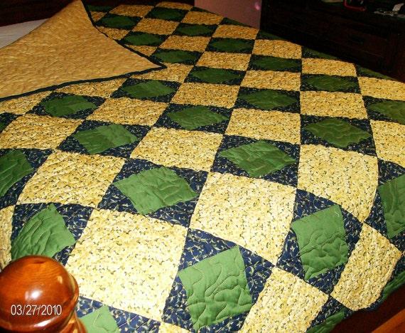 Art Square Pattern Patchwork Queen Quilt