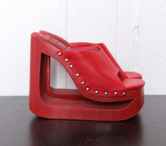 90s Deadstock Red Wooden Platform Sandals 7-8