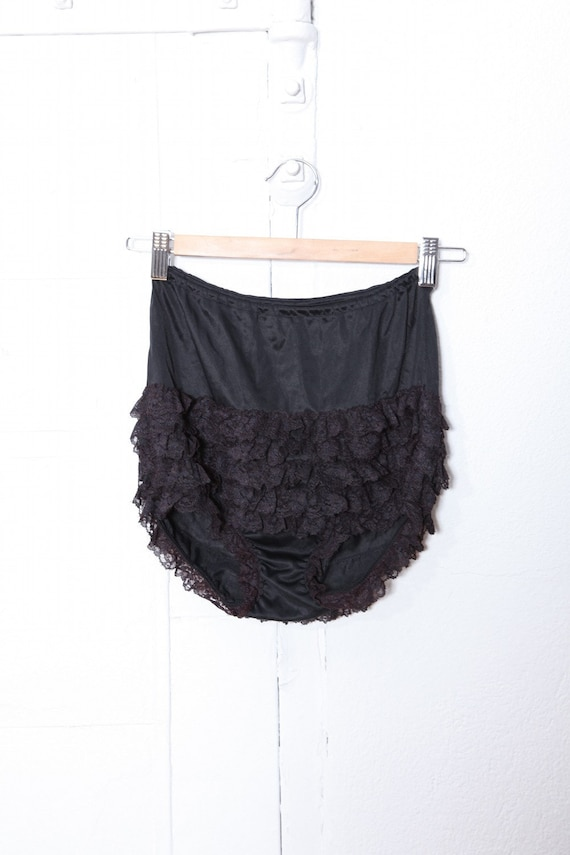 SALE 80s High Waist Ruffled Burlesque Panties S-M