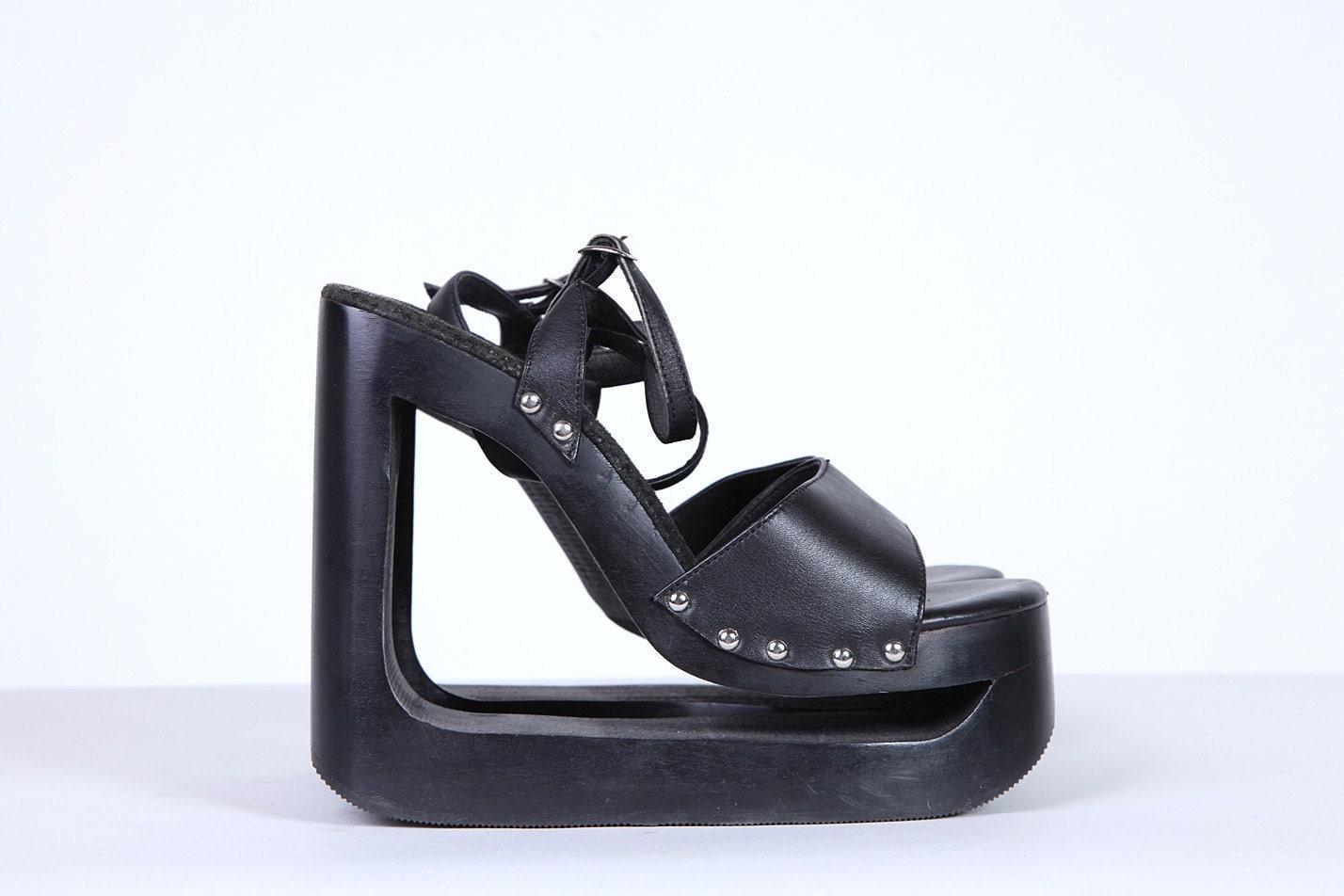 90s Black Nailed Wooden Platform Sandals 8 by tarantulasisters