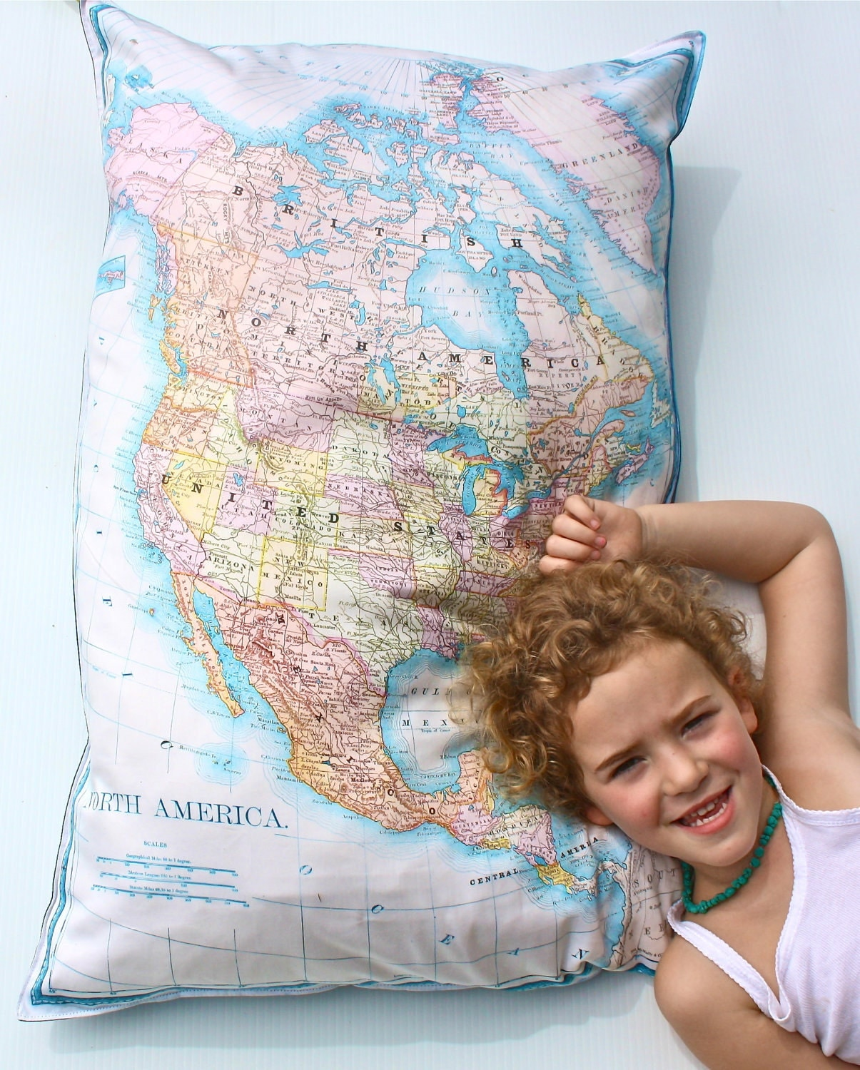Giant Floor map cushion vintage NORTH AMERICA GIANT map