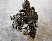 Steampunk Goth Fleur de Lis Ring in Brass ORIGINAL EXCLUSIVE DESIGN-Unisex-Steampunk Chic