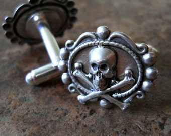 Steampunk Skull Cuff Links in Antiqued Silver