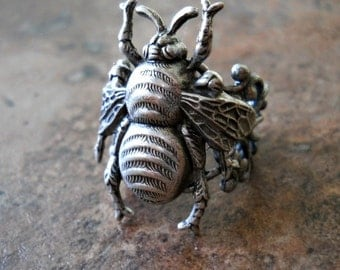 Queen Bee Enchanted Steampunk Ring in Silver