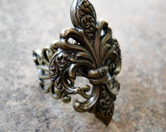 Steampunk Goth Fleur de Lis Ring in Brass ORIGINAL EXCLUSIVE DESIGN-Unisex-Steampunk Chic