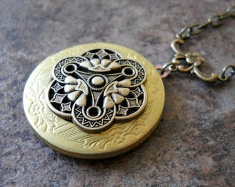 Victoriana Filigree Brass Locket Exclusively by Enchanted Lockets
