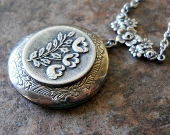 Poppy Garden  Silver  Locket Exclusively by Enchanted Lockets, Mother's Day Locket