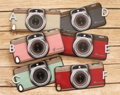 iPhone 4 / 4S Vinyl Decal Skin with Vintage Camera Case Design