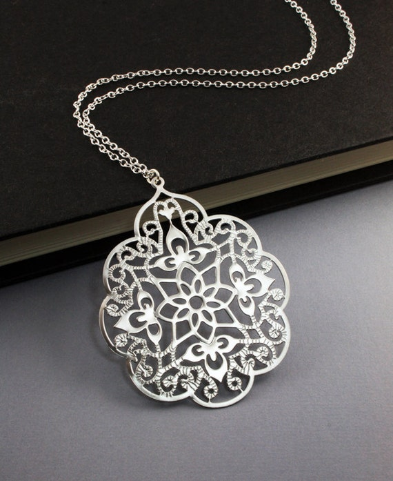 Filigree Silver Necklace - perfect everyday look, friend's gift (WN23)