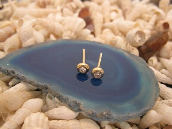 14K Gold and diamonds post  earrings
