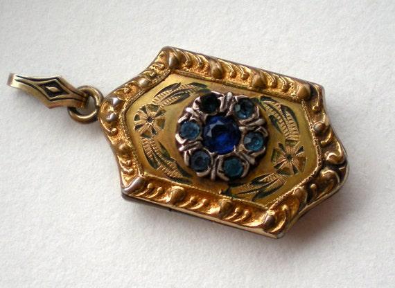 SALE Vintage Locket Blue Stone Flower 1940s