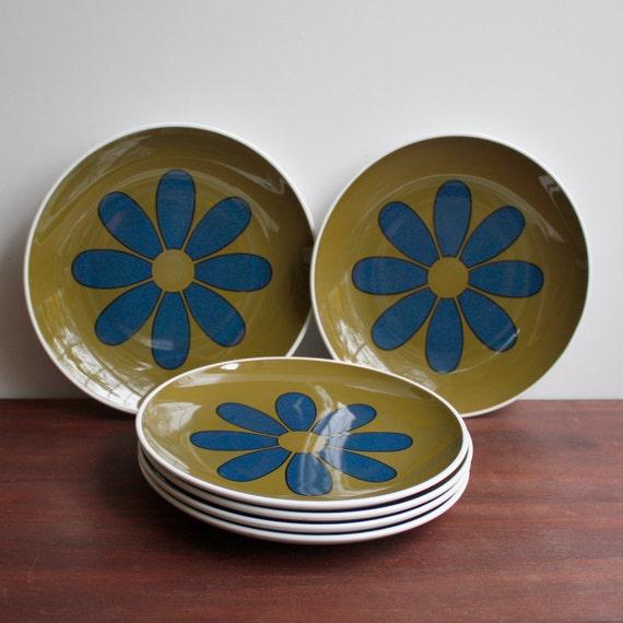 Vintage 1967 Dessert Plates / Centura by Corning / Avocado Green & Blue Daisy  / Set of Six