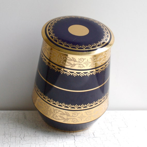 Vintag Blue and Gold Round Tin