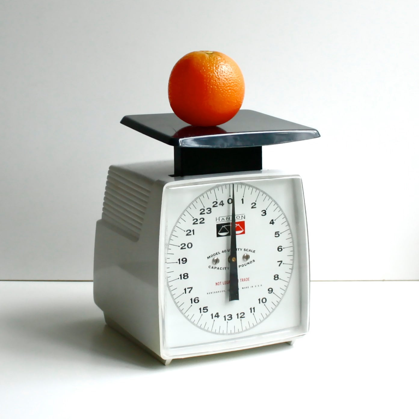 Vintage Kitchen Scales: Vintage Kitchen Scale By Hanson