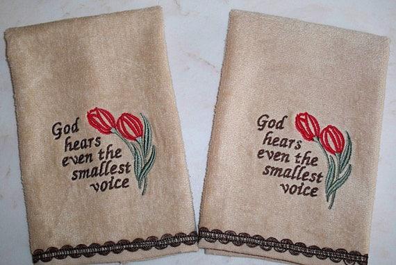 Embroidered set of 2 Velour Fingertip Towels