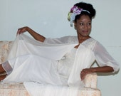 Vintage 1940s Peignoir in Ivory Nylon and Lace, Nightgown and Robe Set by  Sears