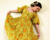 Vintage 1950s Yellow Floral Print Dress / 50s Shirtwaist Dress Peasant Style with Puffed Sleeves / Medium