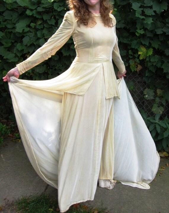 HALF OFF  Vintage 1930s/1940s Silk Velour Wedding Dress in Antique Ivory, Peplum, Long Train