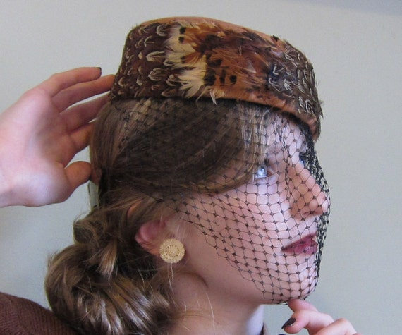 Vintage 1960s Hat / 60s Brown Pillbox / Feather Hat with Veil