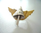 Mushroom ring with wings