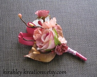 LYNN -- Romantic Grooms Wedding Boutonniere w/ Flowers, Foliage & Berries in Champagne, Peach, Pale Pink and Dusty Rose with White Lace