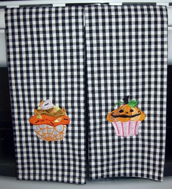 Halloween Kitchen Towel Set Creepy Cupcake