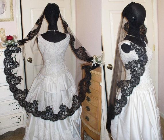 Gorgeous Victorian Gothic Black French Alencon Eyelash Lace Mantilla, Mourning, Costume, Wedding Veil