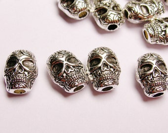 Skull Silver color  beads hypoallergenic- 24 pcs - drill top to bottom - ZAS 24