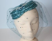 1950s Hat / Vintage Marine Blue Fascinator Halo Hat / Blue Pillbox Hat / Full Veil