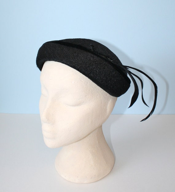 1950s Hat / Vintage Black Pillbox Hat With Feather Plumes