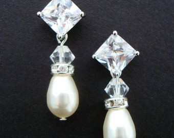 Bridal Earrings,Ivory Swarovski Pearls,Bridal Pearl Rhinestone Earrings, Bridal Pearl Earrings,Stud Bridal Earrings,Stud,Pearl,Cubic,HAZEL