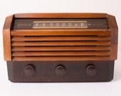 Vintage 1940s RCA Victor Tube Radio, Wooden Art Deco
