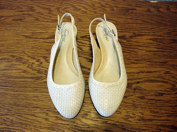 Size 8.5 OFF WHITE Sling Back Leather Shoes