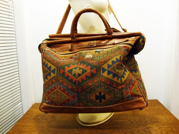 SALE Vintage TRAVEL BAG Geometric Western Pattern