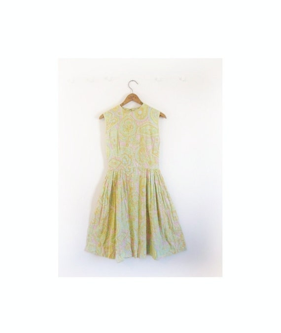 1950s-1960s PRETTY floral classic dress