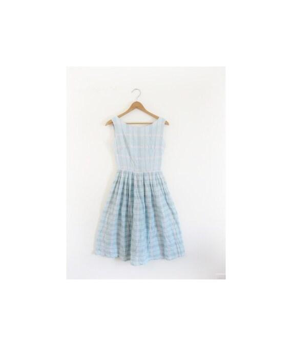 Daylight Savings SALE . . 1940s-1950s PLAID lovely spring dress