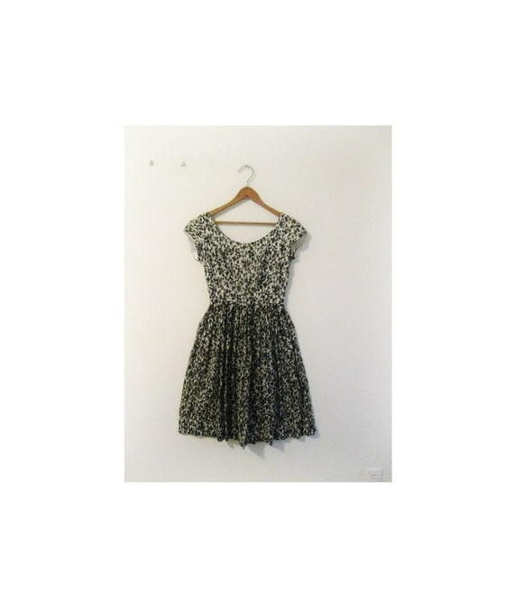 hold hold hold 1940s-1950s BLACK & WHITE floral etched dress
